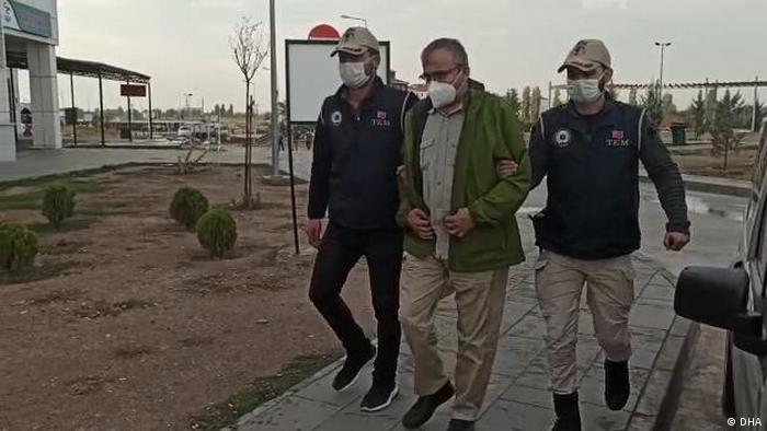 Sırrı Süreyya Önder de gözaltına alınan isimler arasında