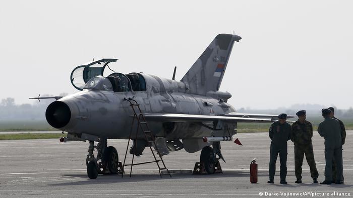 Serbian MiG-21 (Darko Vojinovic/AP/picture alliance)