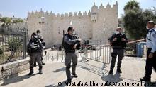 Israel | Coronavirus | Sicherheitskräfte vor der al-Aqsa-Moschee