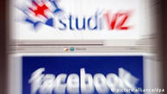 Die Logos der Internetnetzwerke StudiVZ und Facebook auf einem Bildschirm (Foto: dpa/lnw)
