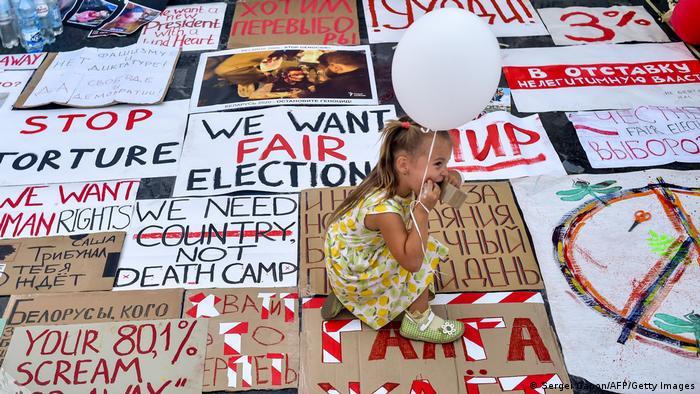 Belarus Protest l Mädchen in Minsk