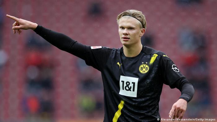 Bundesliga Listless Borussia Dortmund Feel The Burn In Augsburg The Us Posts