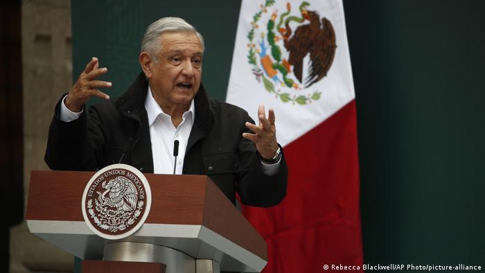 Mexiko | Andres Manuel Lopez Obrador | Jahrestag Vermisste Studenten (Rebecca Blackwell/AP Photo/picture-alliance)