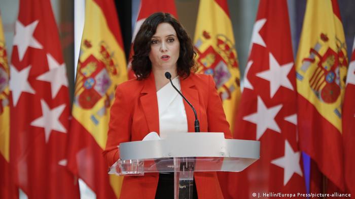 Spanien Madrid Coronakrise PK Coronamaßnahmen Isabel Diaz Ayuso (J. Hellín/Europa Press/picture-alliance )