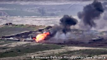Кадр знищення бронетехніки ЗС Азербайджану, оприлюднений міноборони Вірменії
