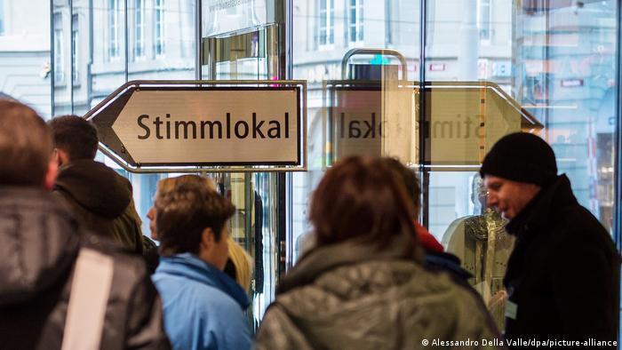 Symbolbild |Schweiz Referendum (Alessandro Della Valle/dpa/picture-alliance)