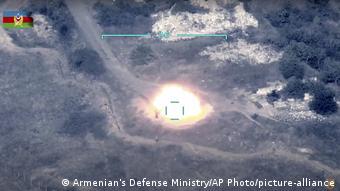 Кадр знищення ЗРК Оса сил ППО Нагірного Карабаху збройними силами Азербайджану