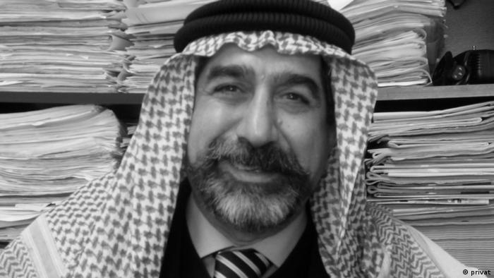 نویسنده و پژوهشگر عرب به اتهام دامن زدن به تظاهرات سال ۸۴ در اهواز و تحریک مردم به پنج سال زندان محکوم شد. این عضو کانون نویسندگان ایران پس از سخنرانی در کانون مدافعان حقوق بشر و اعتراض به سرکوب خشونتبار ناارامیهای خوزستان، دستگیر شده و با وثیقه ۱۰۰میلیون تومانی آزاد بود. او سرانجام و پس از چند بار احضار و تهدید به بازداشت، ایران را ترک گفت.