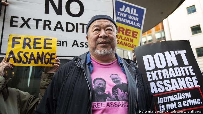 UK Ai Weiwei protestiert gegen mögliche Auslieferung von Assange