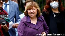 FILE PHOTO: The 2015 Nobel literature laureate Svetlana Alexievich arrives for questioning by a state investigative committee in Minsk, Belarus, August 26, 2020. REUTERS/Vasily Fedosenko/File Photo