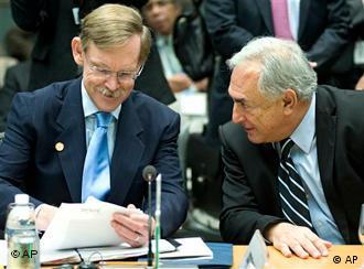 Weltbank-Präsident Robert Zoellick (l.) und IWF- Chef Dominique Strauss-Kahn (Foto: dapd)