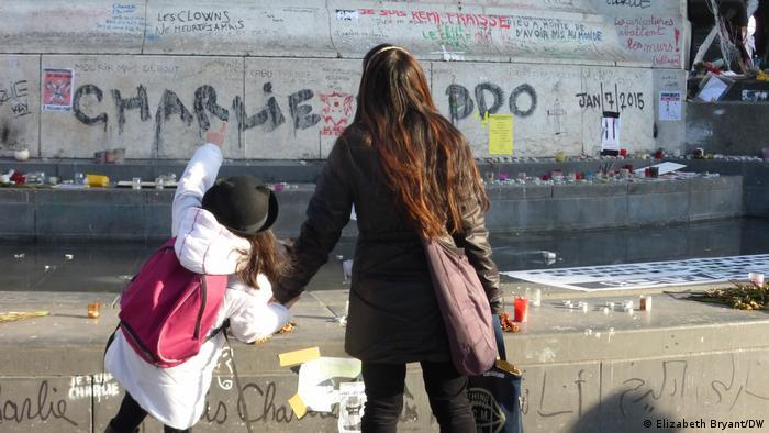 باريس تحاول احتواء التطرف من خلال تشريعات وقوانين جديدة بعد الهجمات الإرهابية على مجلة شارلي إيبدو