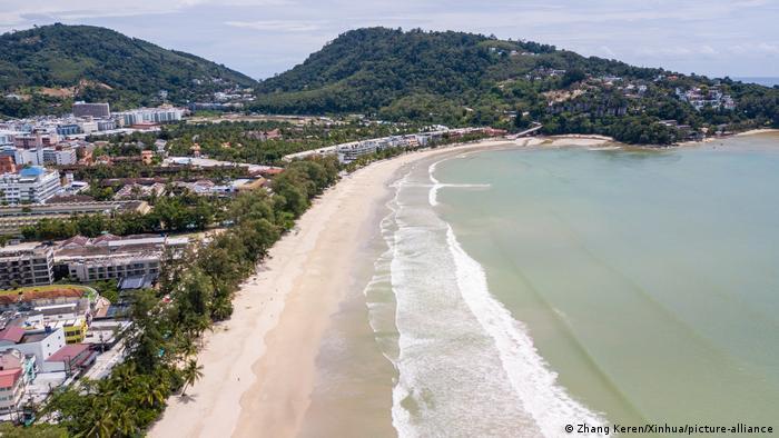 Thailand I Strand von Phuket (Zhang Keren/Xinhua/picture-alliance)