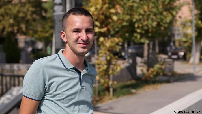 Milos Vucinic in Mitrovica (Vjosa Cerkini/DW)