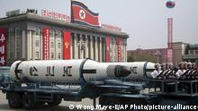 Nordkorea U-Boot Raketen bei einer Parade in Pjöngjang