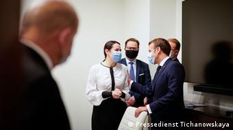 Встреча Светланы Тихановской и Эмманюэля Макрона проходила при соблюдении мер предосторожности в связи с пандемией