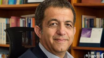 Koç Üniversitesi İktisadi ve İdari Bilimler Fakültesi Ekonomi Bölümü Öğretim Üyesi Prof. Dr. Kamil Yılmaz