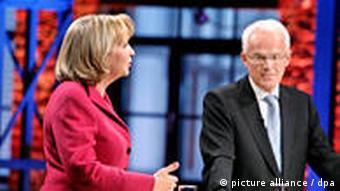 Jürgen Rüttgers und Hannelore Kraft (hier beide im TV-Duell) wollen Regierungschef werden (Foto: WDR/Herby Sachs dpa/picture alliance)