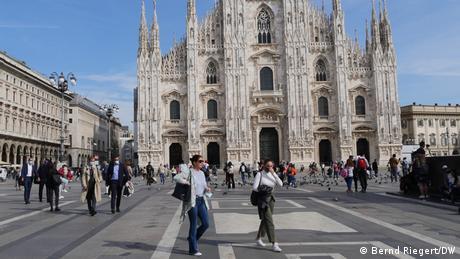 Συνωστισμός στη Β. Ιταλία μετά τη μερική χαλάρωση των μέτρων