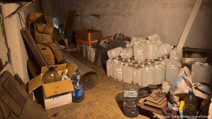 Inside the Hezbollah warehouse (Houssam Shbaro/AA/picture-alliance)