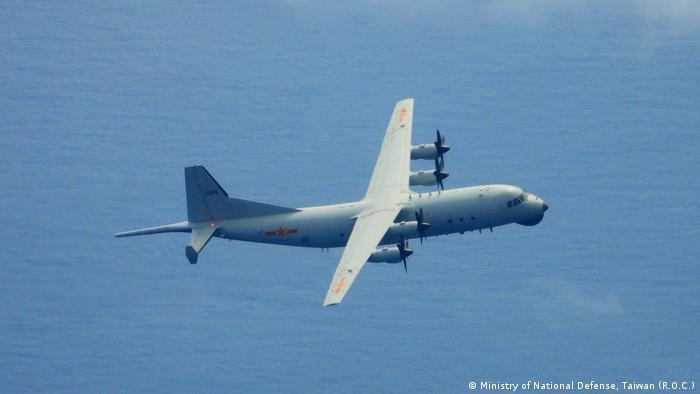 Taiwan Chinesisches Militär zeigt Präsenz