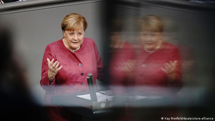 Deutschland Bundestag Bundeshaushalt Angela Merkel