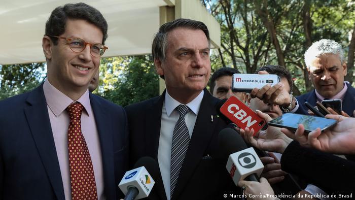 Brasiliens Präsident Jair Bolsonaro und Brasiliens Umweltminister Ricardo Salles (Marcos Corrêa/Presidência da República do Brasil)