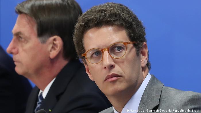 Ricardo Salles: ministro corre o risco de ser afastado do cargo