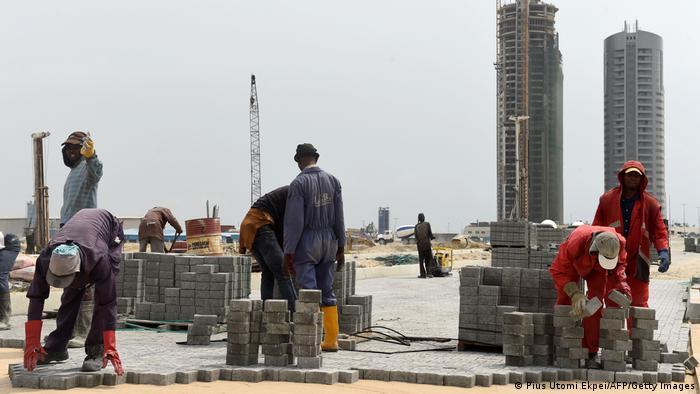 Nigeria Lagos | Arbeiter auf einer Baustellen | Eko Atlantic City