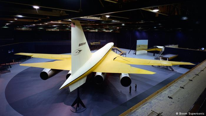 Boeing Overture Boom - дерев'яна модель