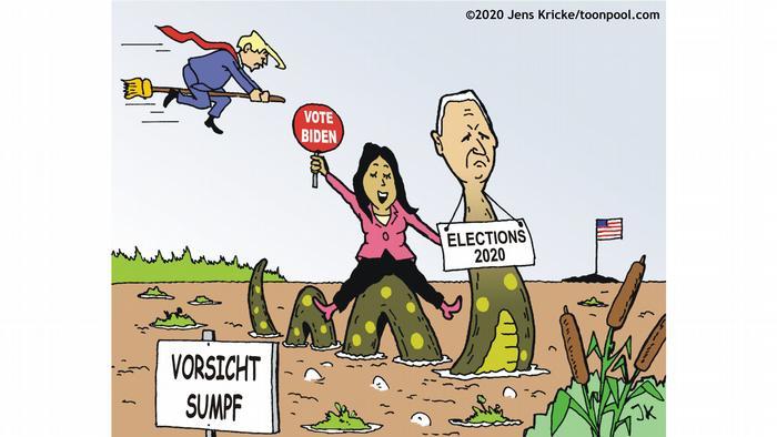 Karikatur: Joe Biden mit Schlangenkörper und einem Schild Wahlen 2020 überquert einen Sumpf. In Hintergrund Donald Trump fliegt auf einem Besen (Karikaturist: Jens Kricke)