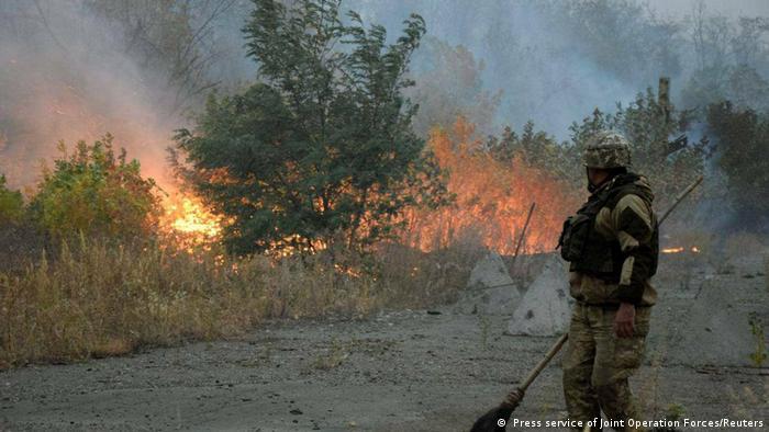 Причина пожеж - обстріли з боку проросійських бойовиків?