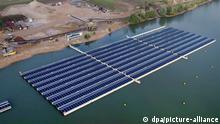 Deutschland Weeze Schwimmende Solaranlage