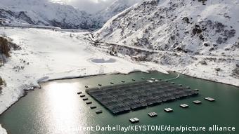 Плавучая солнечная электростанция на озере Туль в Швейцарии
