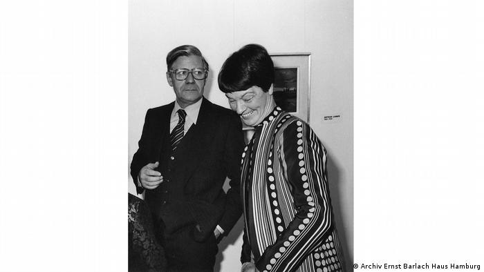 Helmut and Loki Schmidt smiling