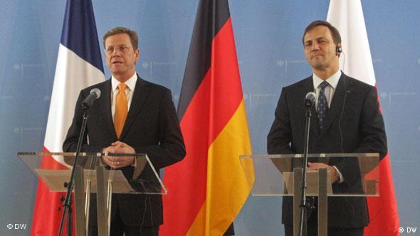 Guido Westerwelle i Radosław Sikorski na konferencji prasowej po obradach Trójkąta Weimarskiego