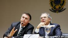 Jair Bolsonaro e Paulo Guedes durante coletiva de imprensa em Brasília