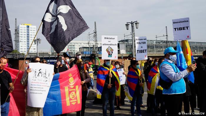 Berlin Botschaft China | Protest gegen Chinas Menschenrechtsverletzungen