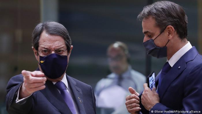 Kıbrıs Cumhuriyeti Cumhurbaşkanı Anastasiades (solda) ve Yunanistan Başbakanı Mitsotakis, Türkiye sert yaptırımlar uygulanmasını talep ediyor