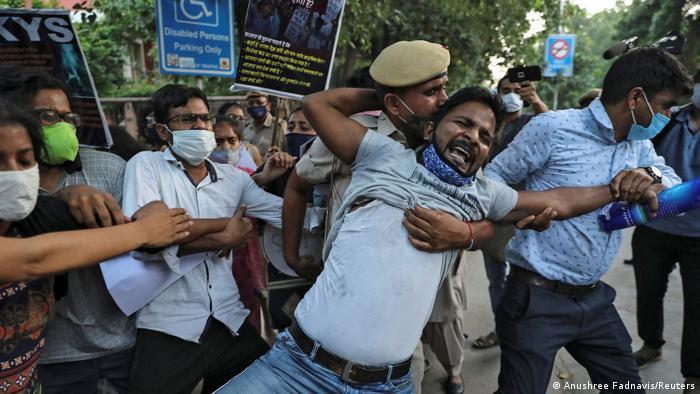 Indien | Proteste in Neu-Delhi nach Tod eines Vergewaltigungsopfers