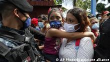 Migranten ziehen von Honduras Richtung USA