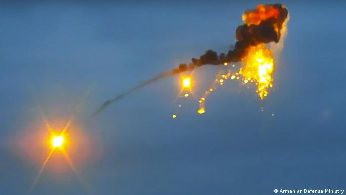 صورة نشرتها وزارة الدفاع الأرمينية تقول إنها لطائرات مسيرة أذربيجانية.
