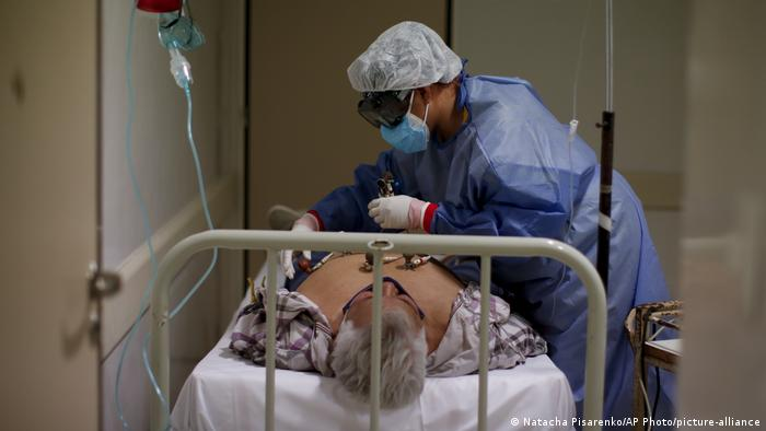 Argentinen Buenos Aires | Ezeiza Hospital Coronavirus Patient Krankenschwester