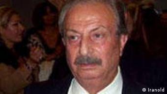 ناصر رستگارنژاد، ترانه سرای قدیمی بیشترین کارهایش را برای پوران سروده است.