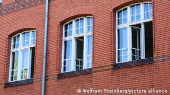 Ανοιχτά παράθυρα στη διάρκεια του μαθήματος για τα σχολεία στο Βερολίνο