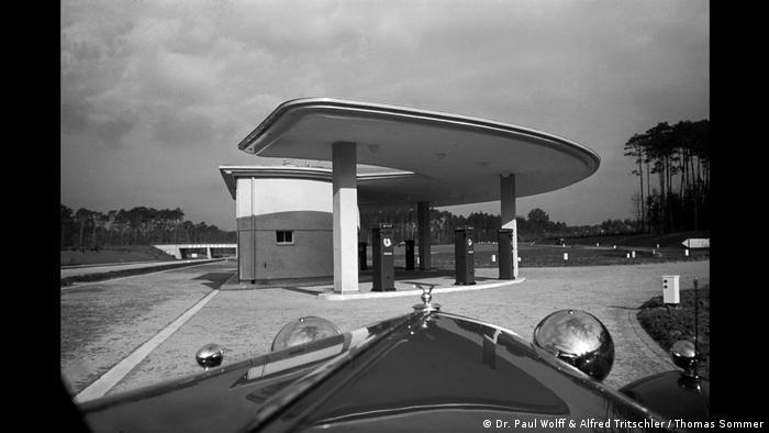 Einsame Tankstelle (Dr. Paul Wolff & Alfred Tritschler / Thomas Sommer)