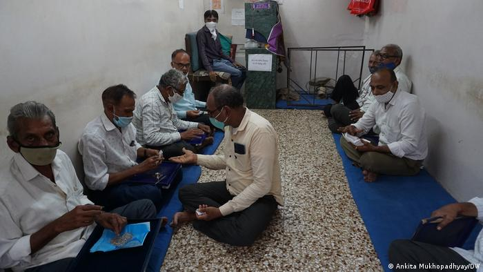 Diamond workers in a workshop