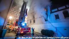 Deutschland Wirrer Mann wirft Brandsätze in Marbach