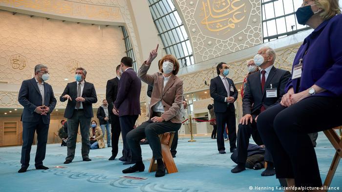 Deutschland Tag der Offenen Moschee | Köln (Henning Kaiser/dpa/picture-alliance)