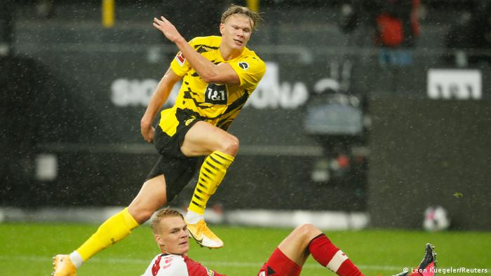 Bundesliga Erling Haaland Forces The Issue As Borussia Dortmund Bounce Back Sports German Football And Major International Sports News Dw 03 10 2020